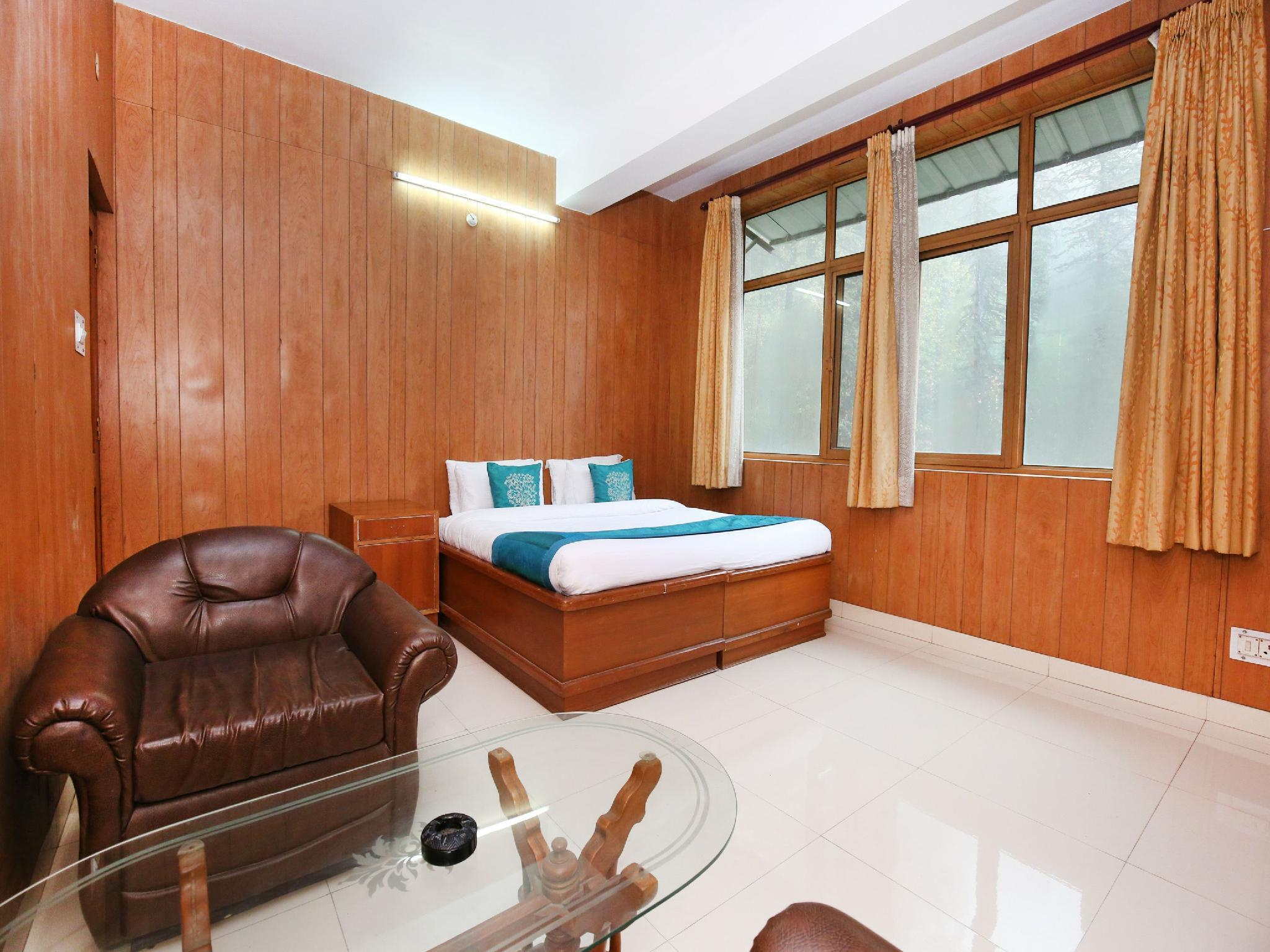 OYO Home Luxe 10904 Sunny Woods Cabin