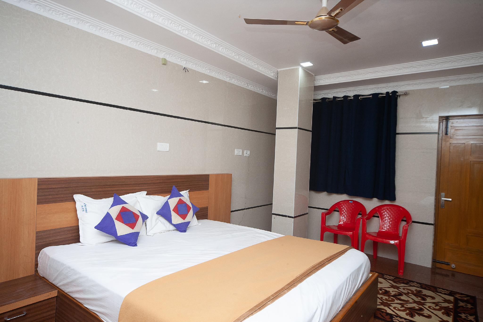 SPOT ON 30656 Sree Padma Residency
