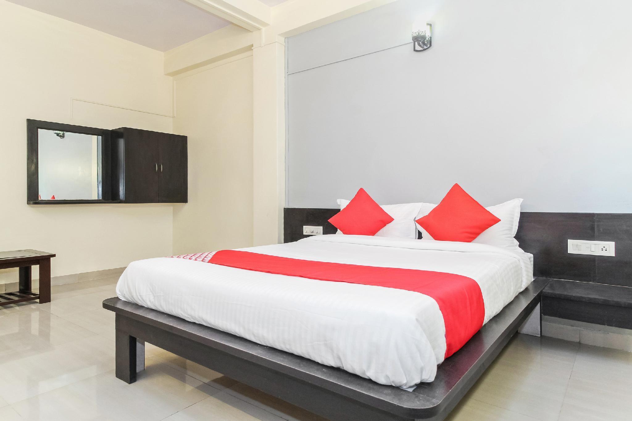 OYO 30324 Hotel Ravikiran
