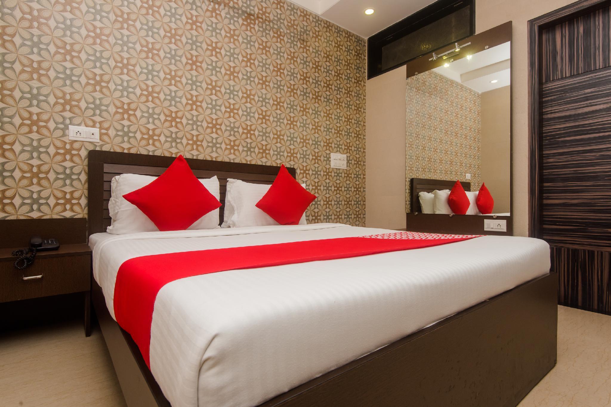 OYO 6371 Hotel Abrol