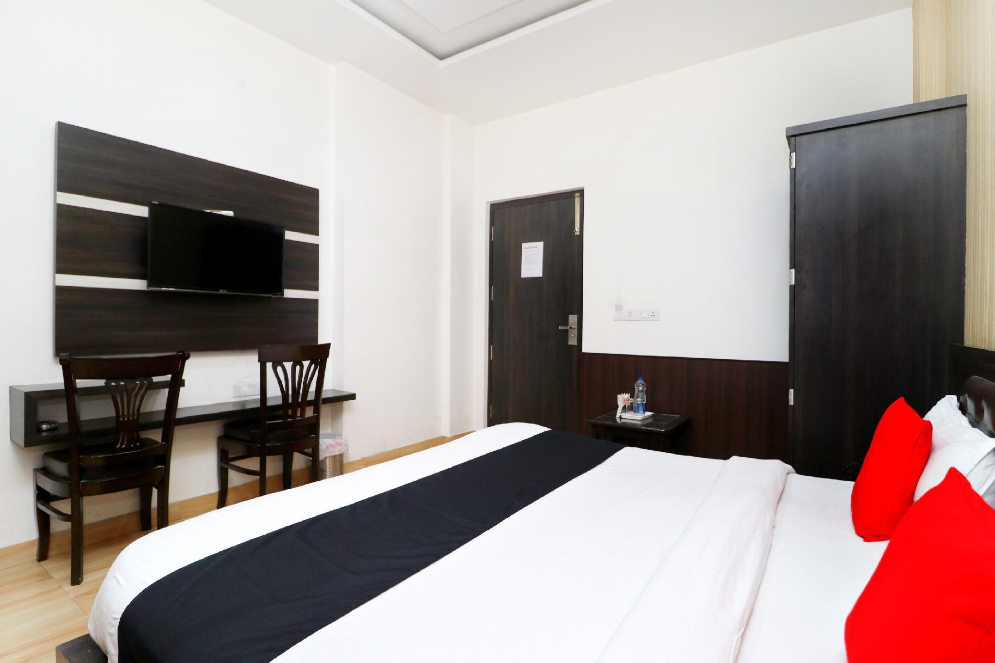 OYO 5614 Hotel Rolex Inn