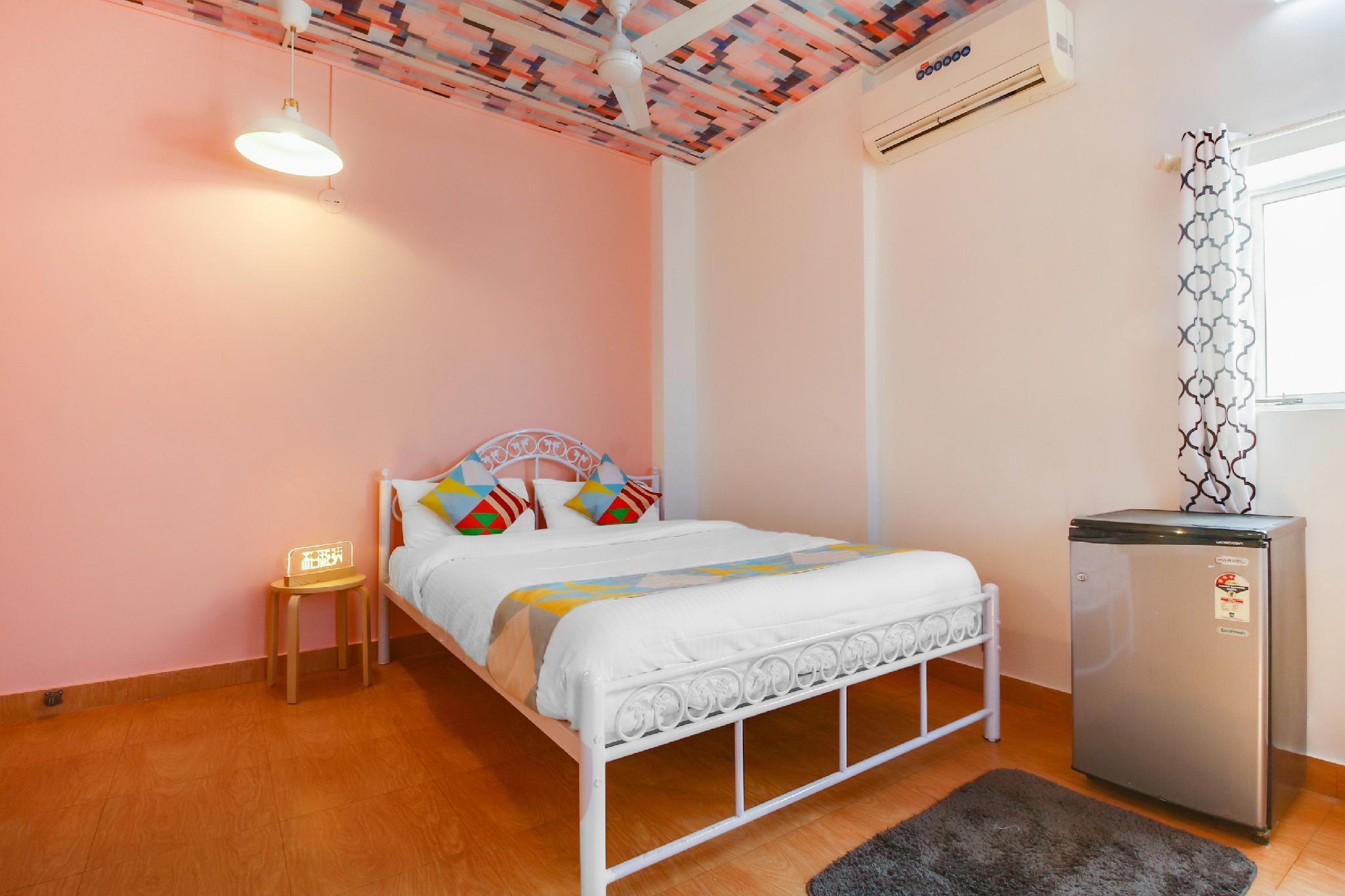 OYO 16095 Luxury Studio