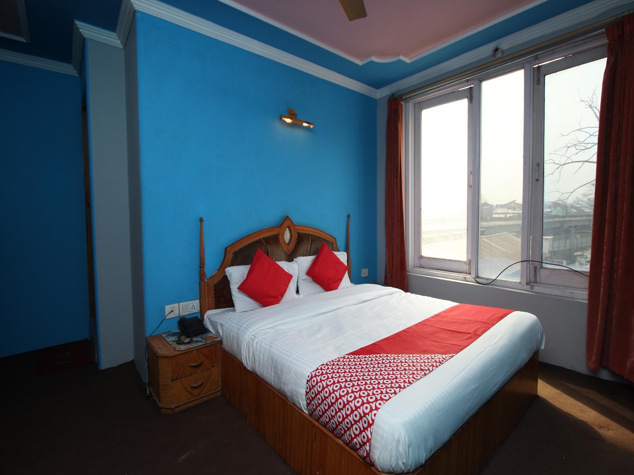 OYO 29553 Hotel Essar