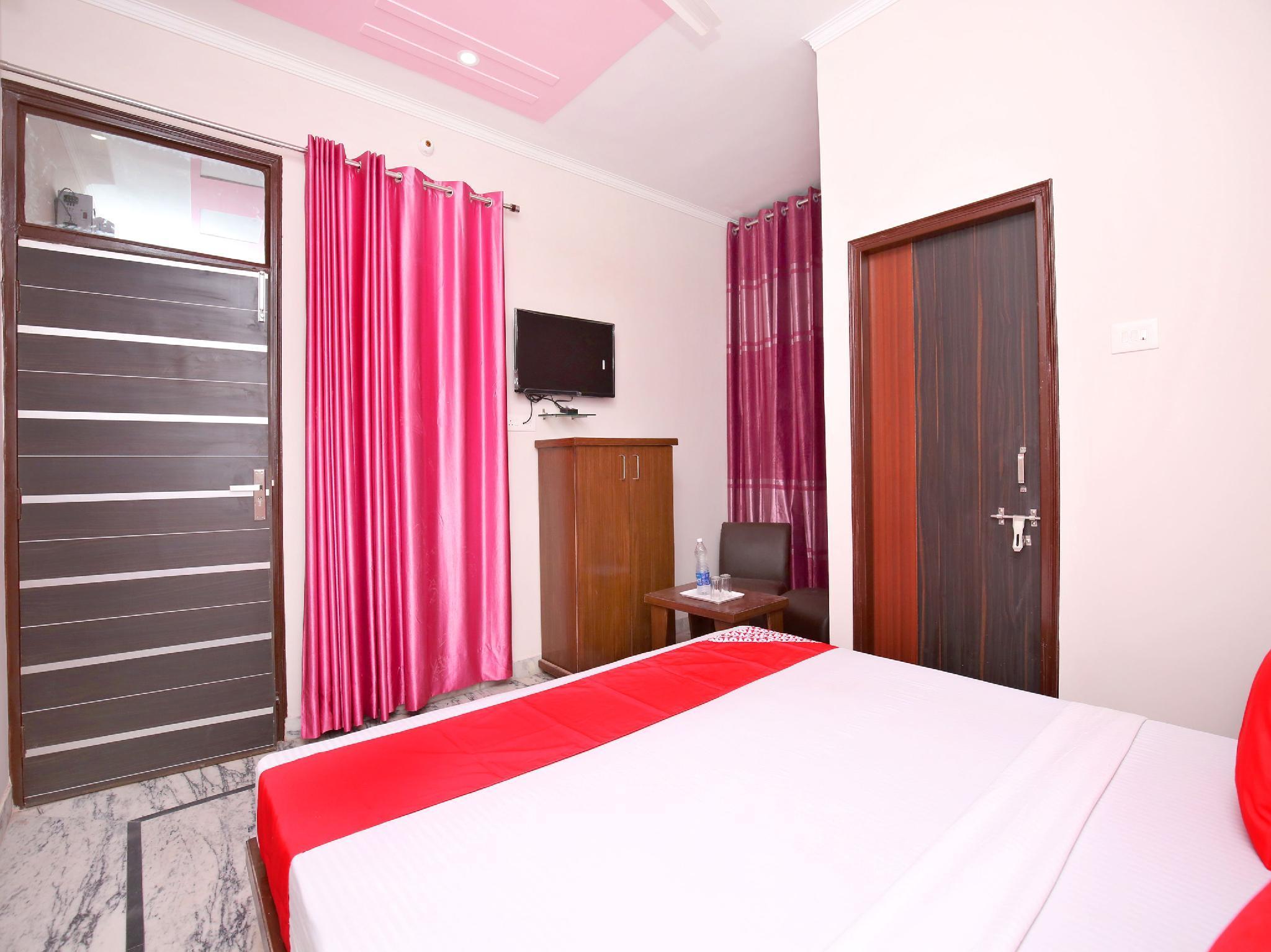 OYO 16431 Hotel New Comfort 1