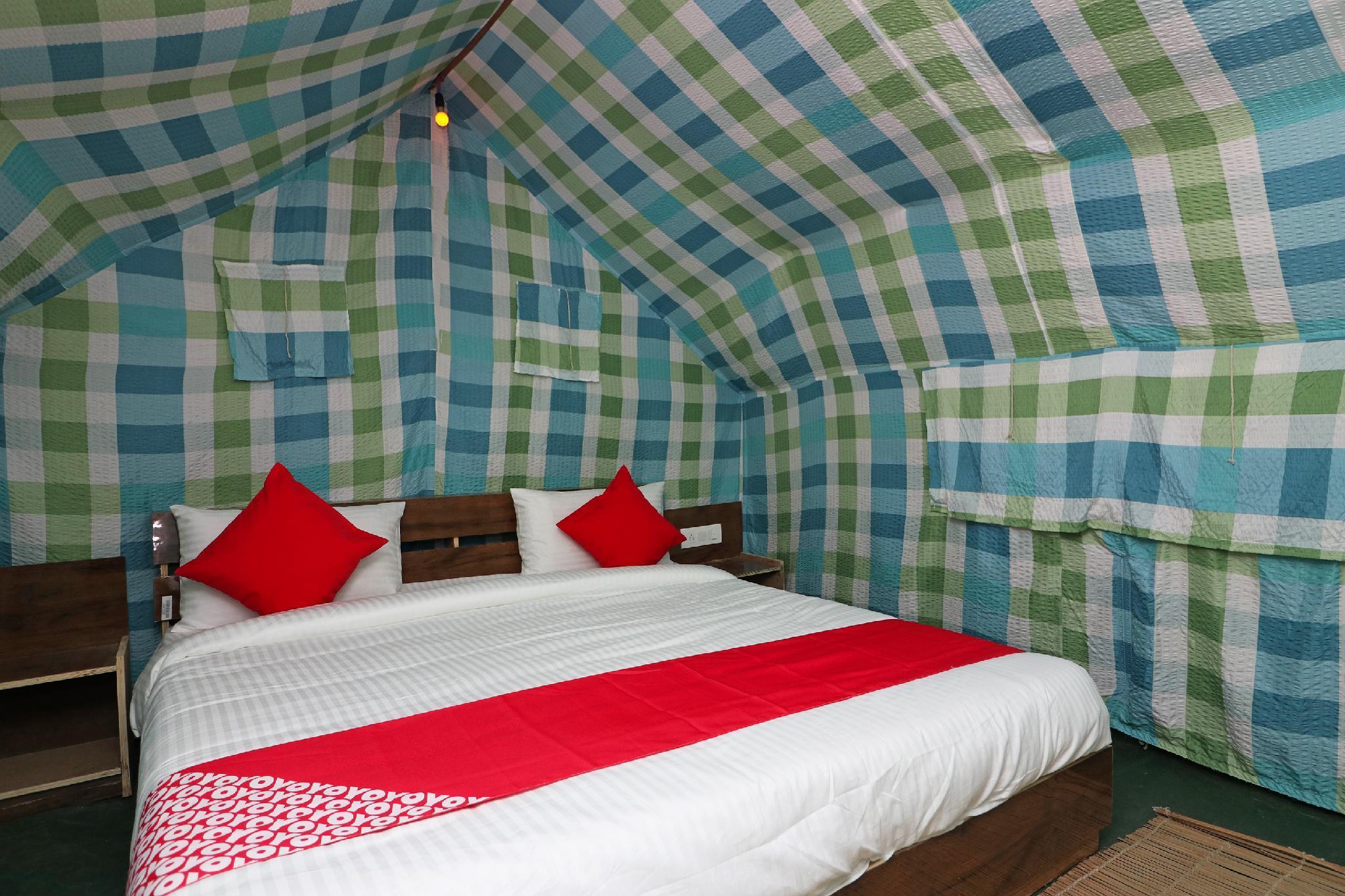 OYO 35796 Apple Retreat Camps