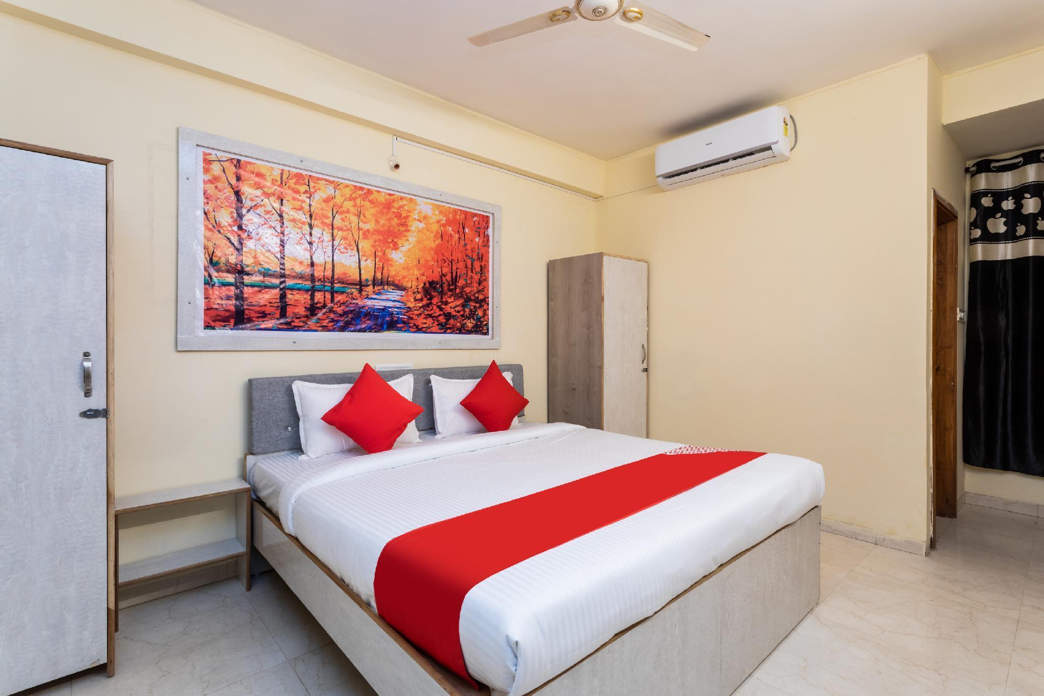 OYO 30478 Hotel Kiran Shri