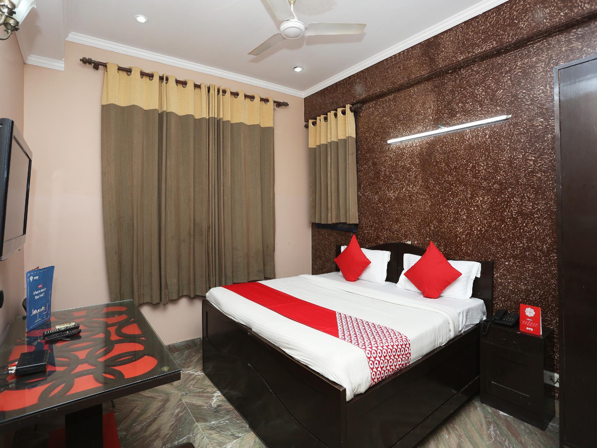 OYO 30233 Dream Residency
