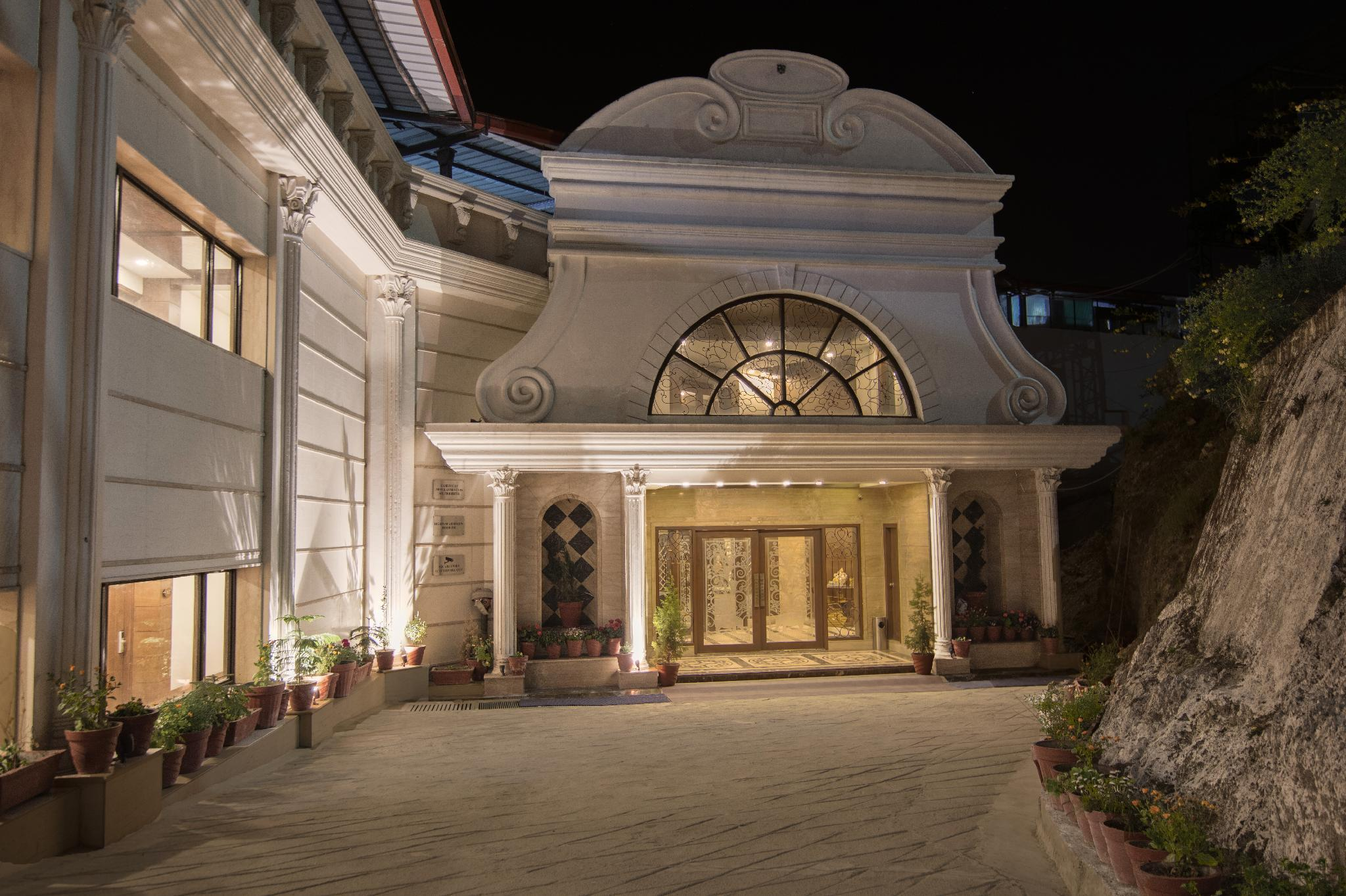 Hotel Grand Imperial Resort And Spa