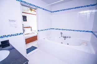 [パトン]ヴィラ(450m2)| 6ベッドルーム/6バスルーム Beautiful 6 bedroom pool villa in Patong Beach