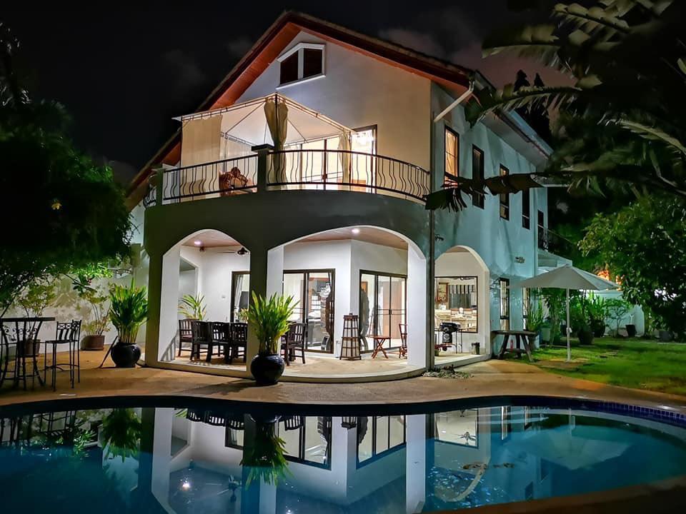 Pink Phuket Villa