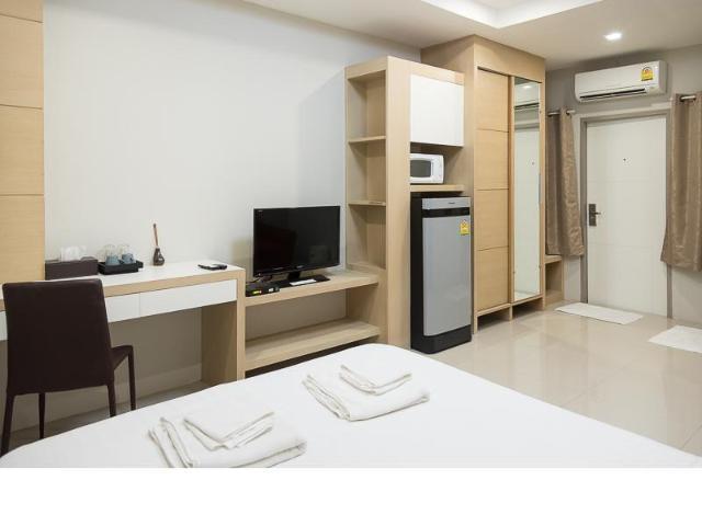พัทธนันท์ ปาร์ค อพาร์ตเมนท์ – Phattanan Park Apartments