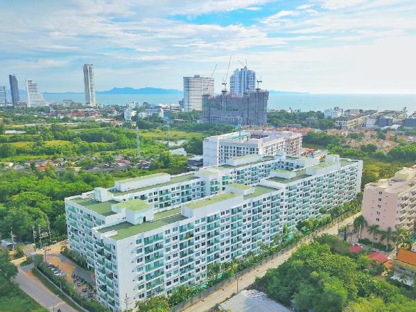 Amazon Residence Pool Access Room B2-120 Pattaya