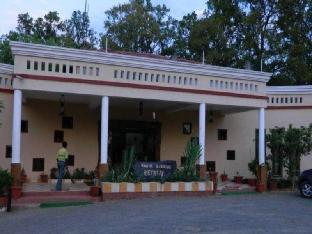 Kanha Meadows Resort