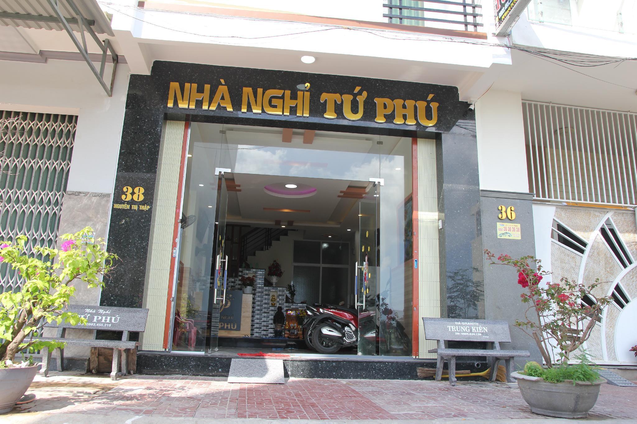 Tu Phu Hotel
