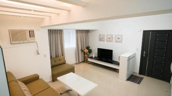 3 rooms/4 beds/2bath/ Dongmen MRT2mins/ Yongkang Taipei