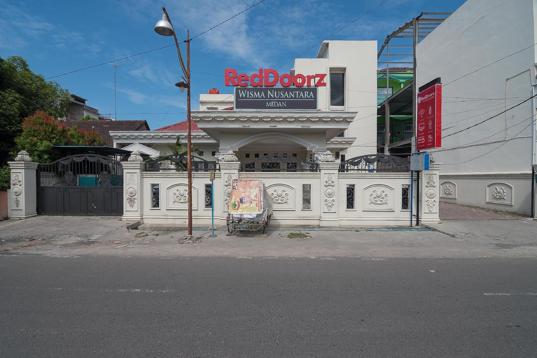 RedDoorz Near Yuki Simpang Raya Mall Medan