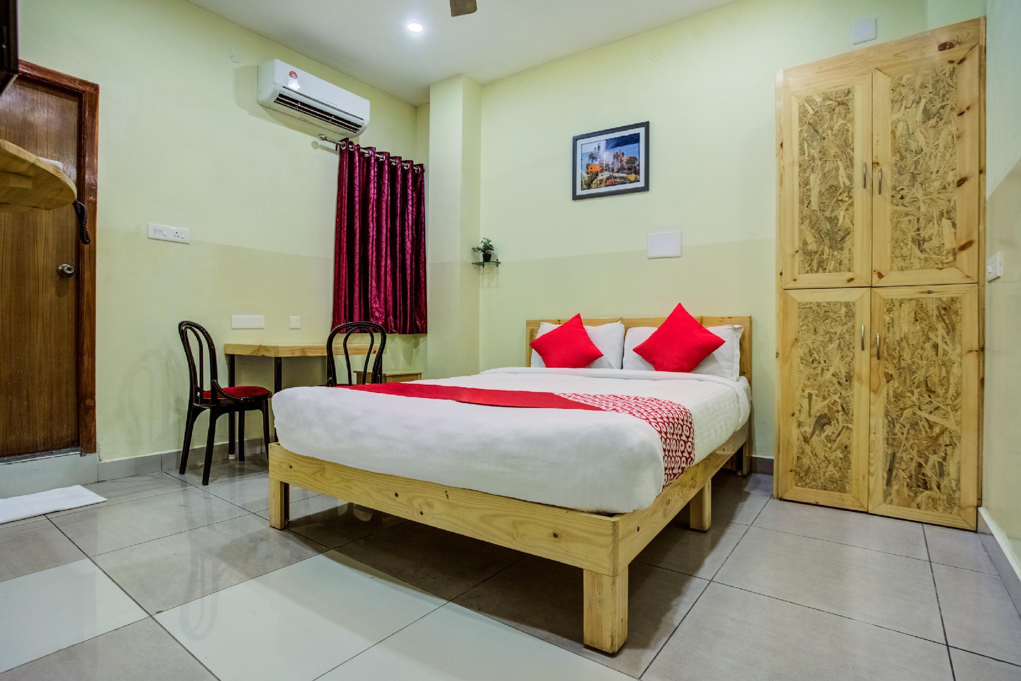 OYO 29542 Sri Royal Palace