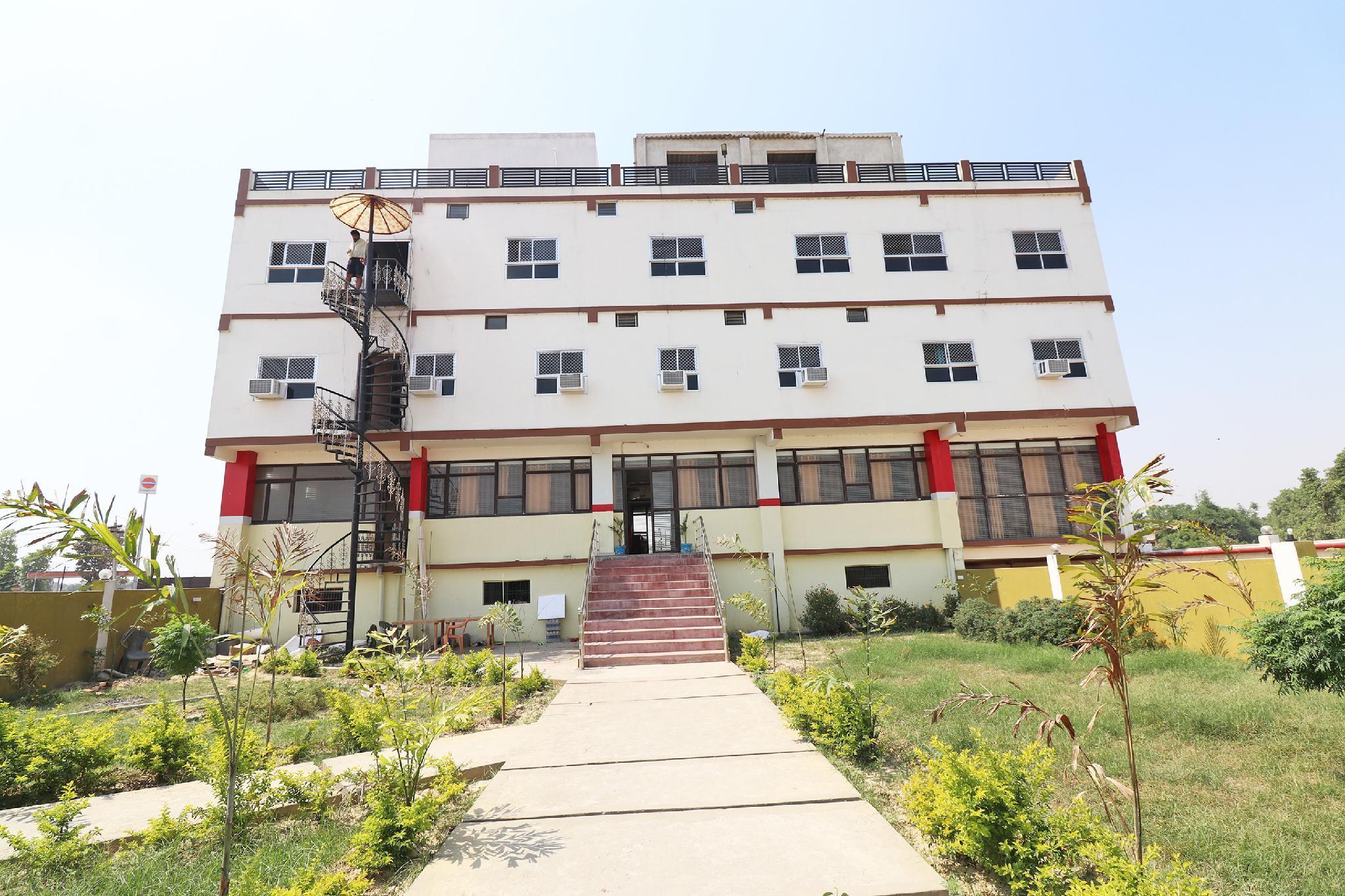OYO 35689 Hotel Buddha Inn