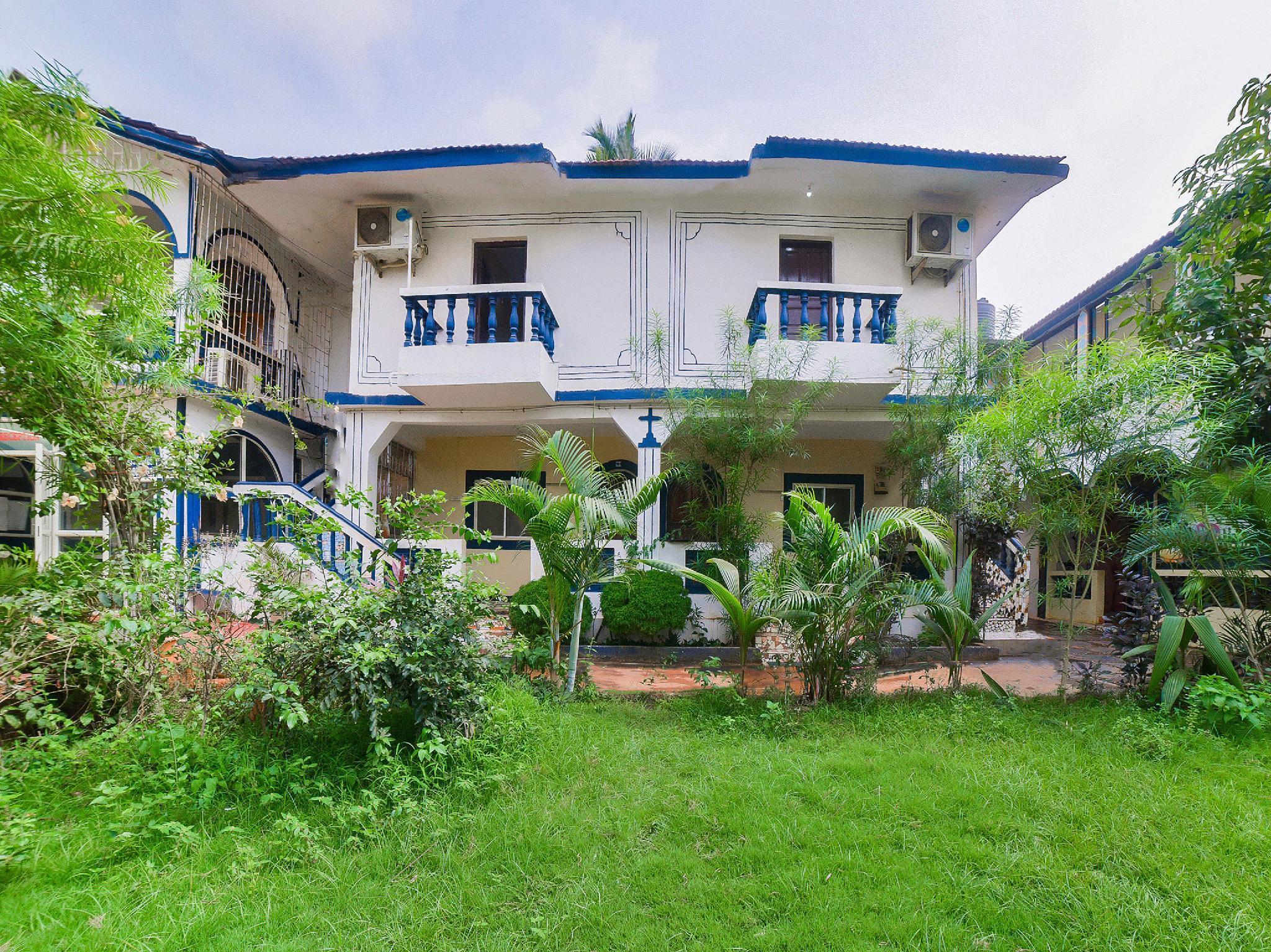 OYO 7509 O Classio Baga Beach Resort
