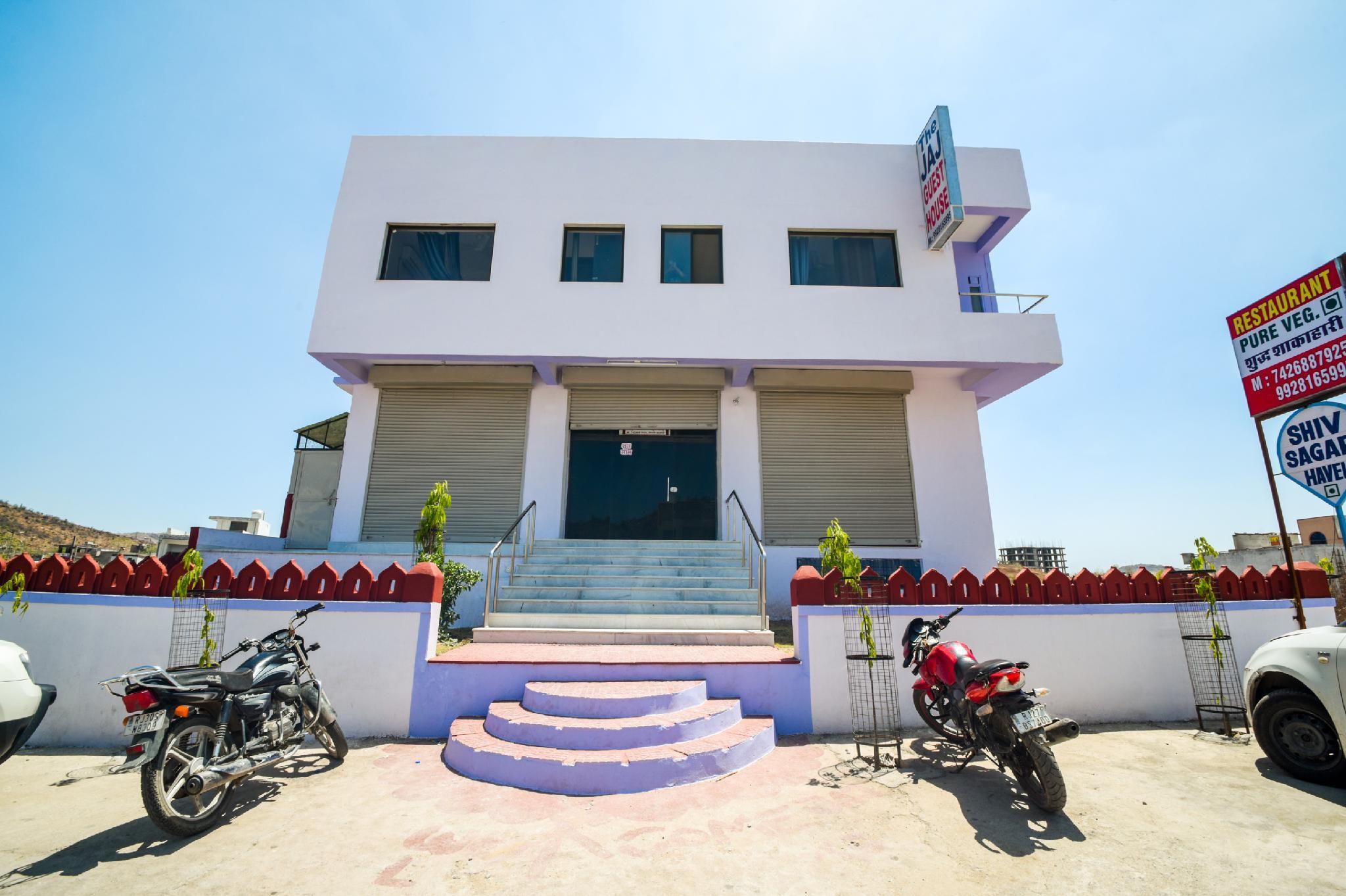OYO 37130 Shiv Sagar Haveli
