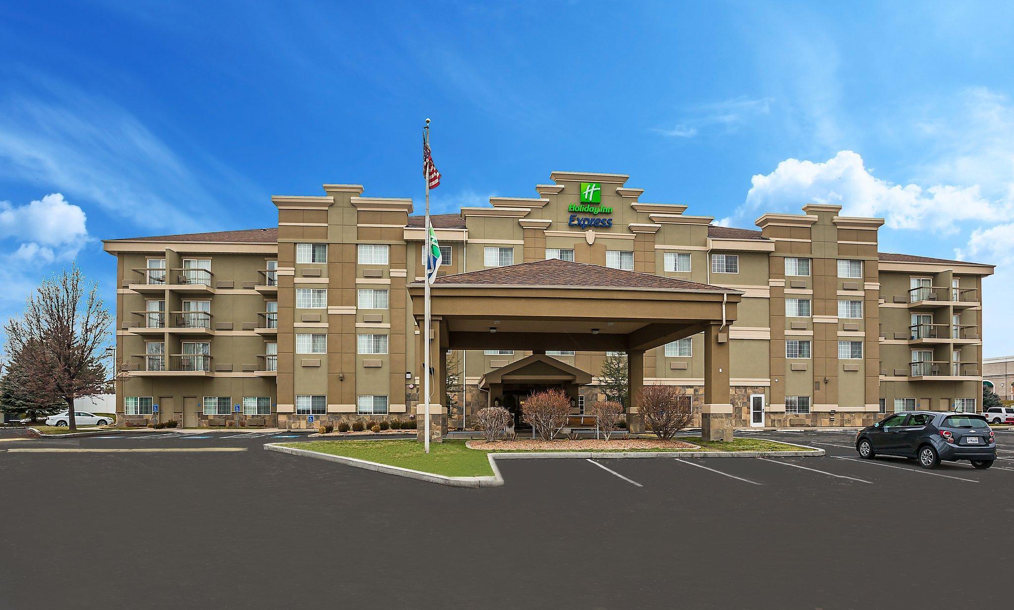Holiday Inn Express Layton   I 15