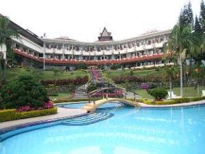 Sinabung Hills Resort