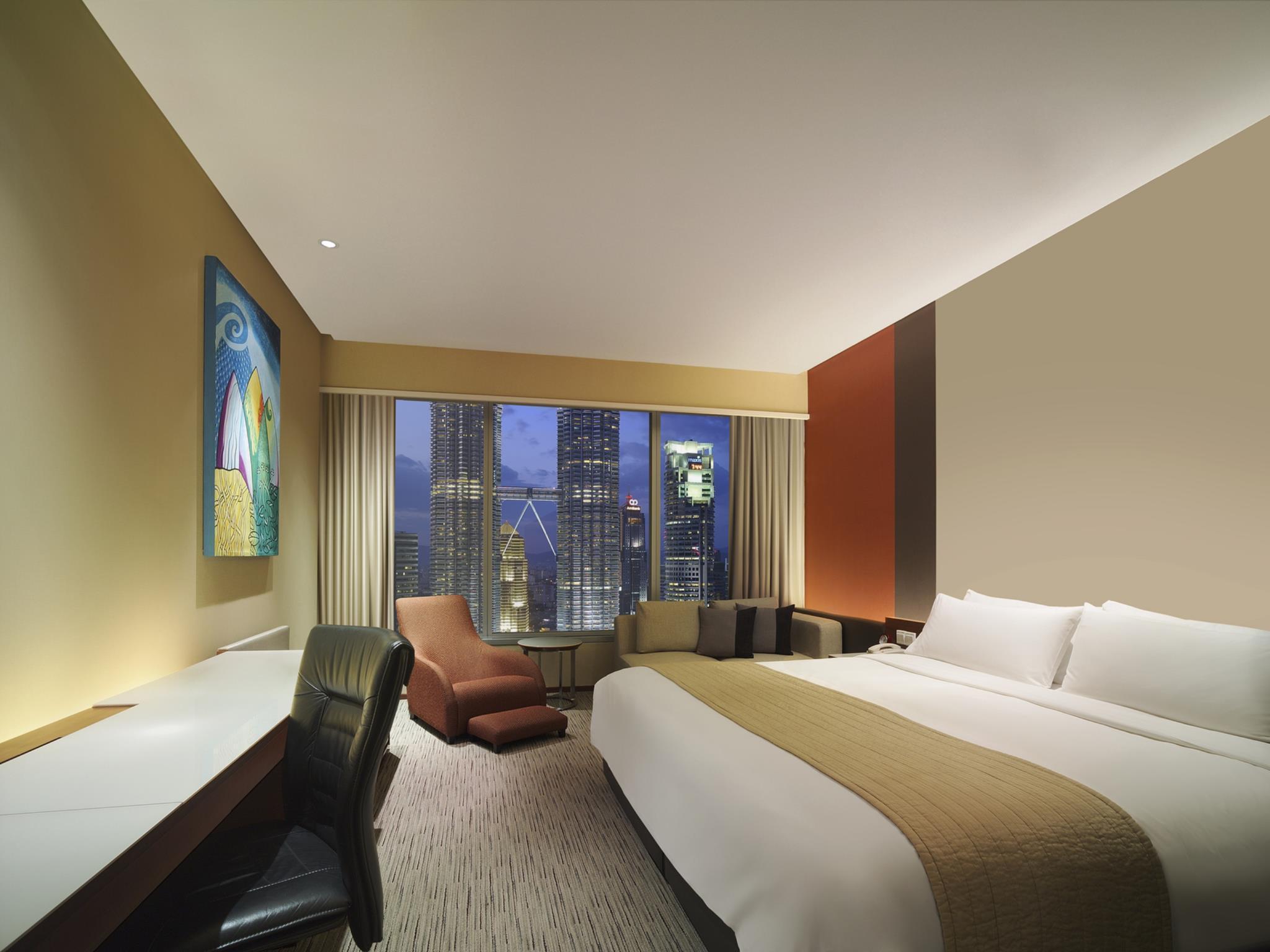 Traders Hotel by Shangri-La 2