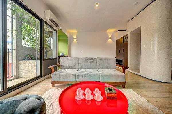 2BR - Luxurious *** Roads On Roof Roofs Hanoi