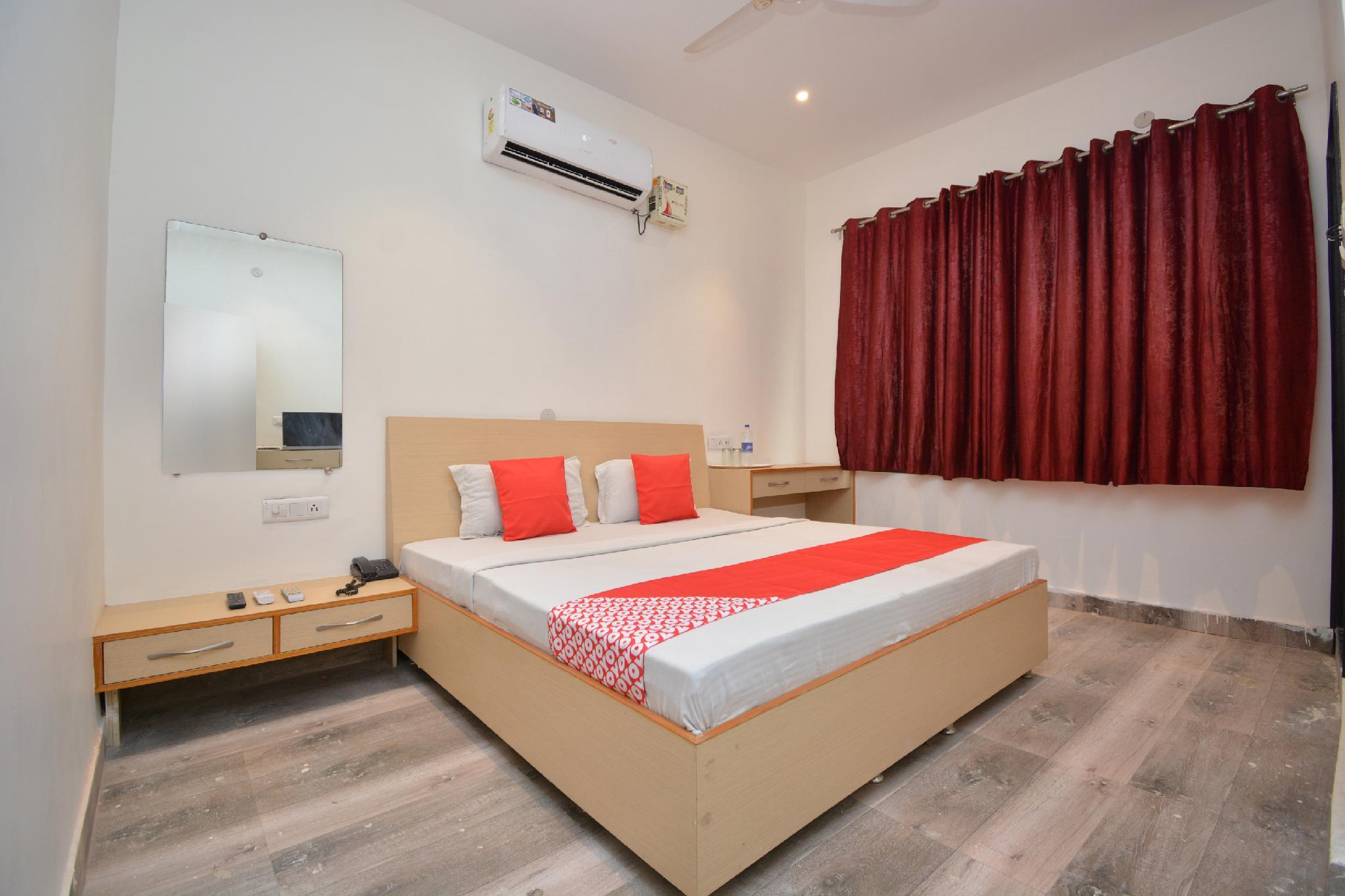 OYO 30695 Hotel Vinayak Inn
