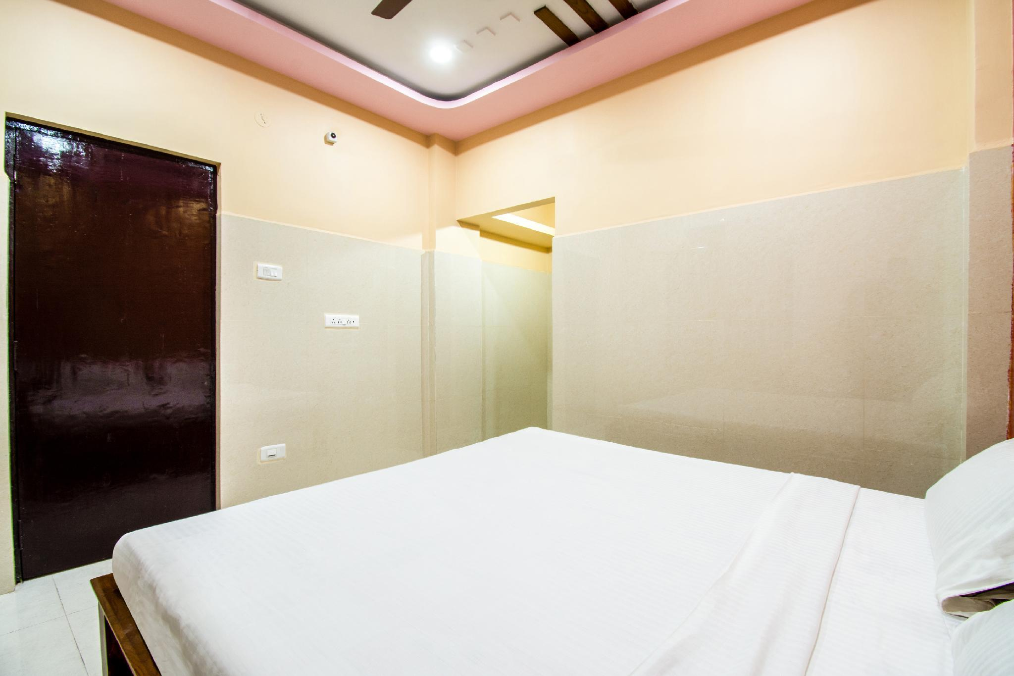 SPOT ON 15830 Ssg Residency