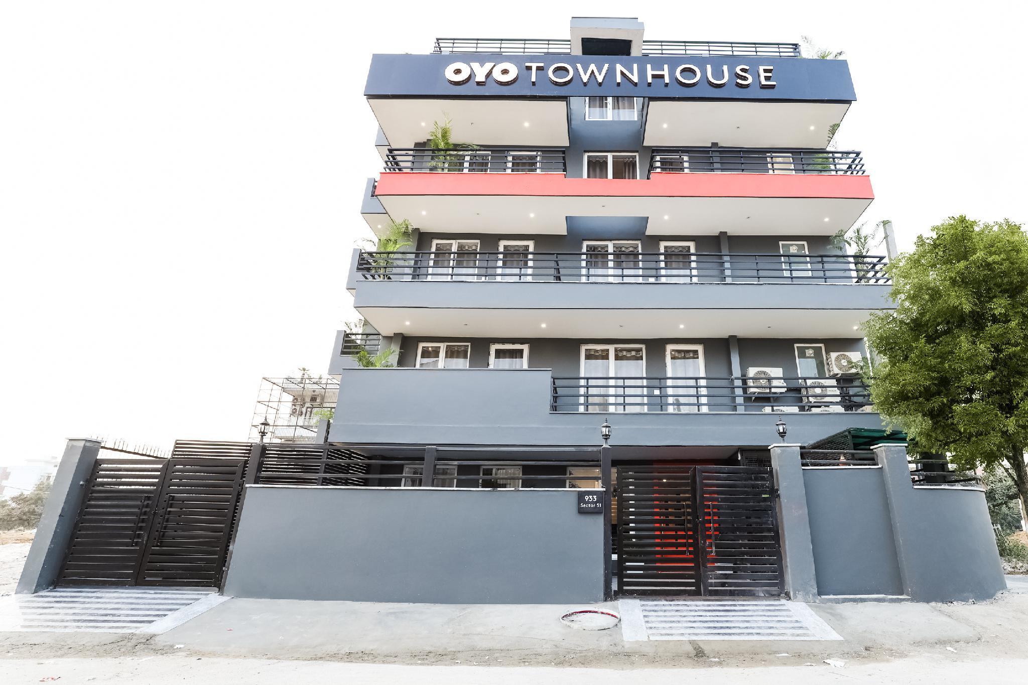 OYO Townhouse 284 Sector 51 Near Amity School Gurgaon