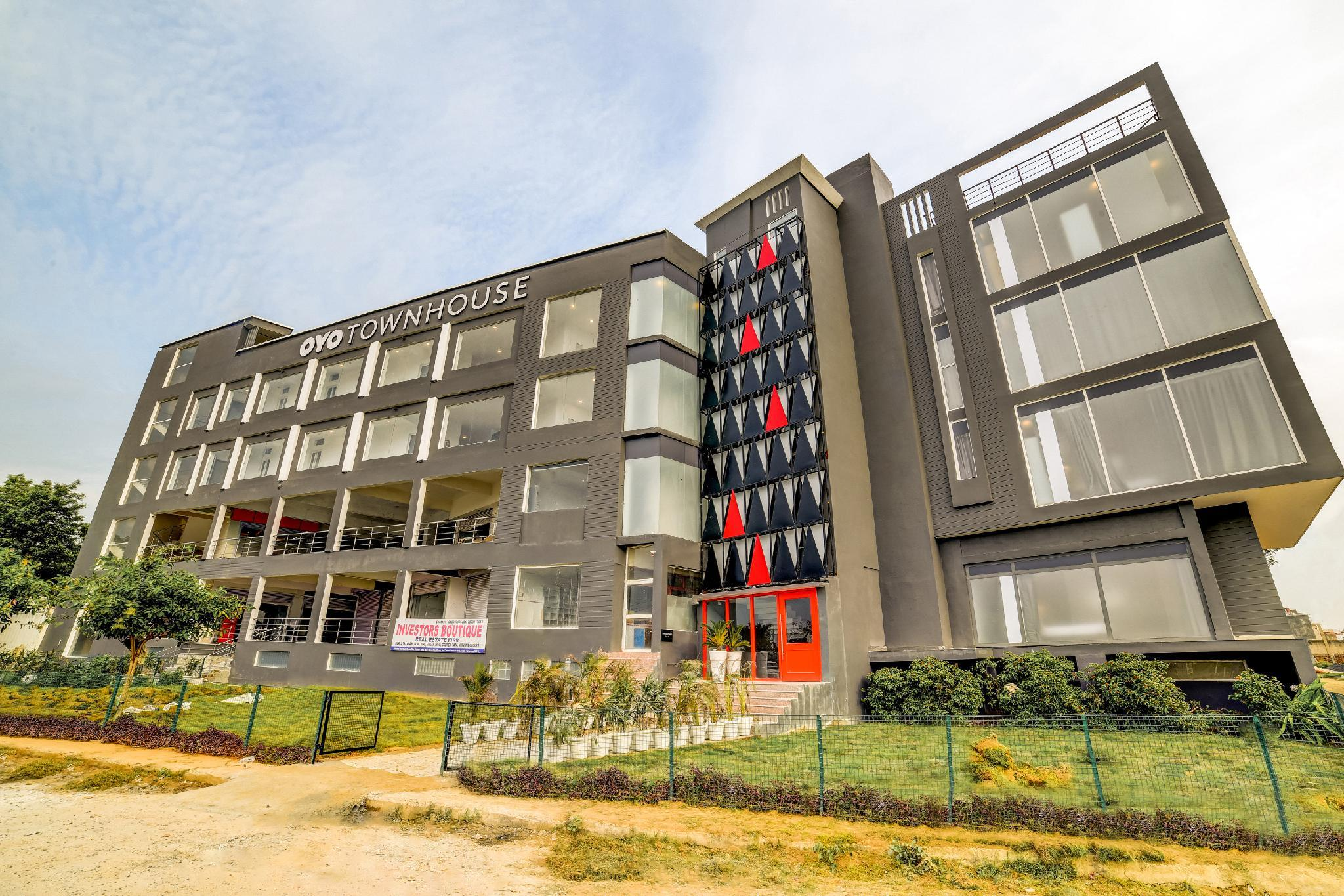 OYO Townhouse 125 Medawas