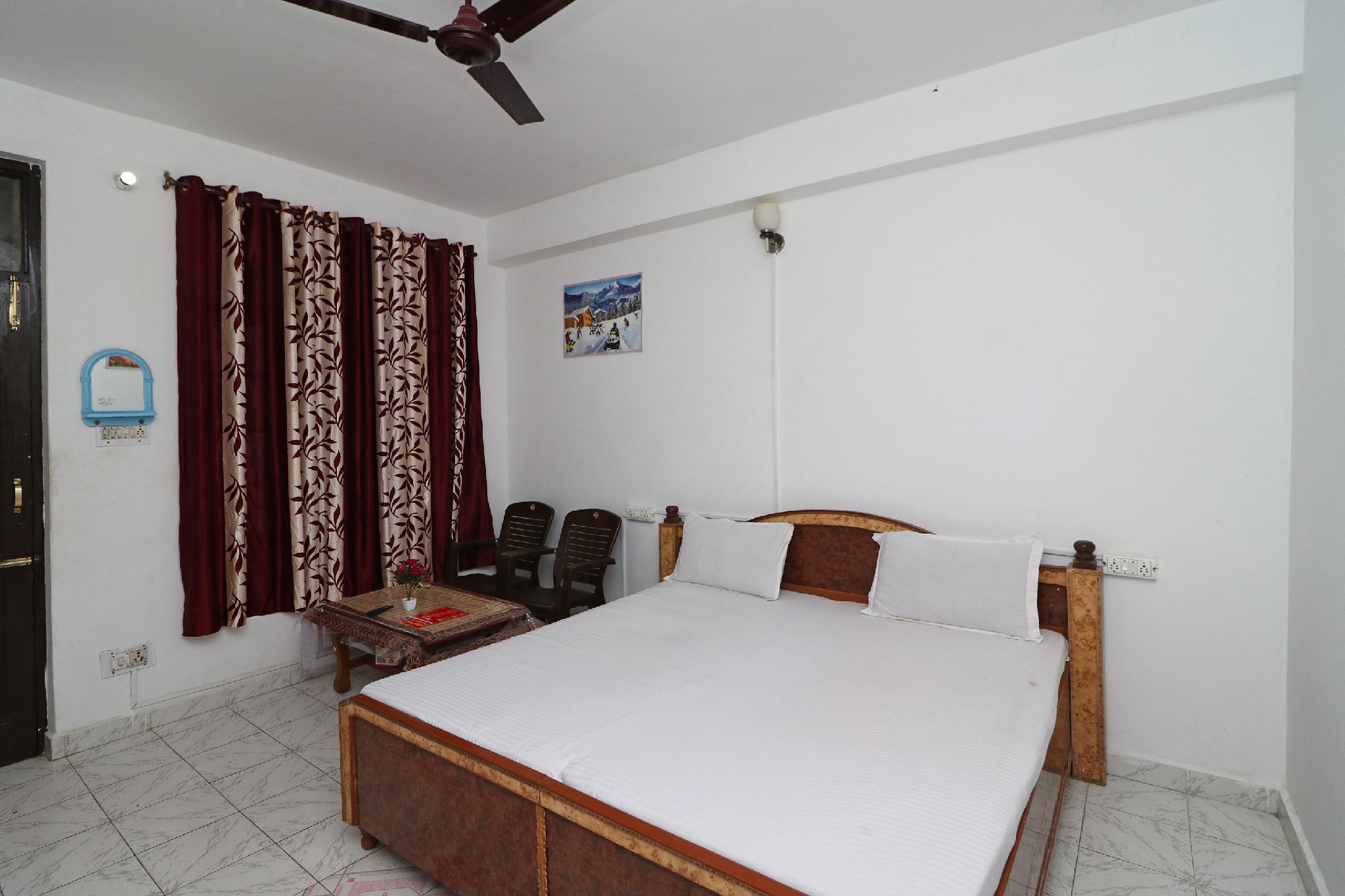 SPOT ON 36527 Hotel Gipsy King