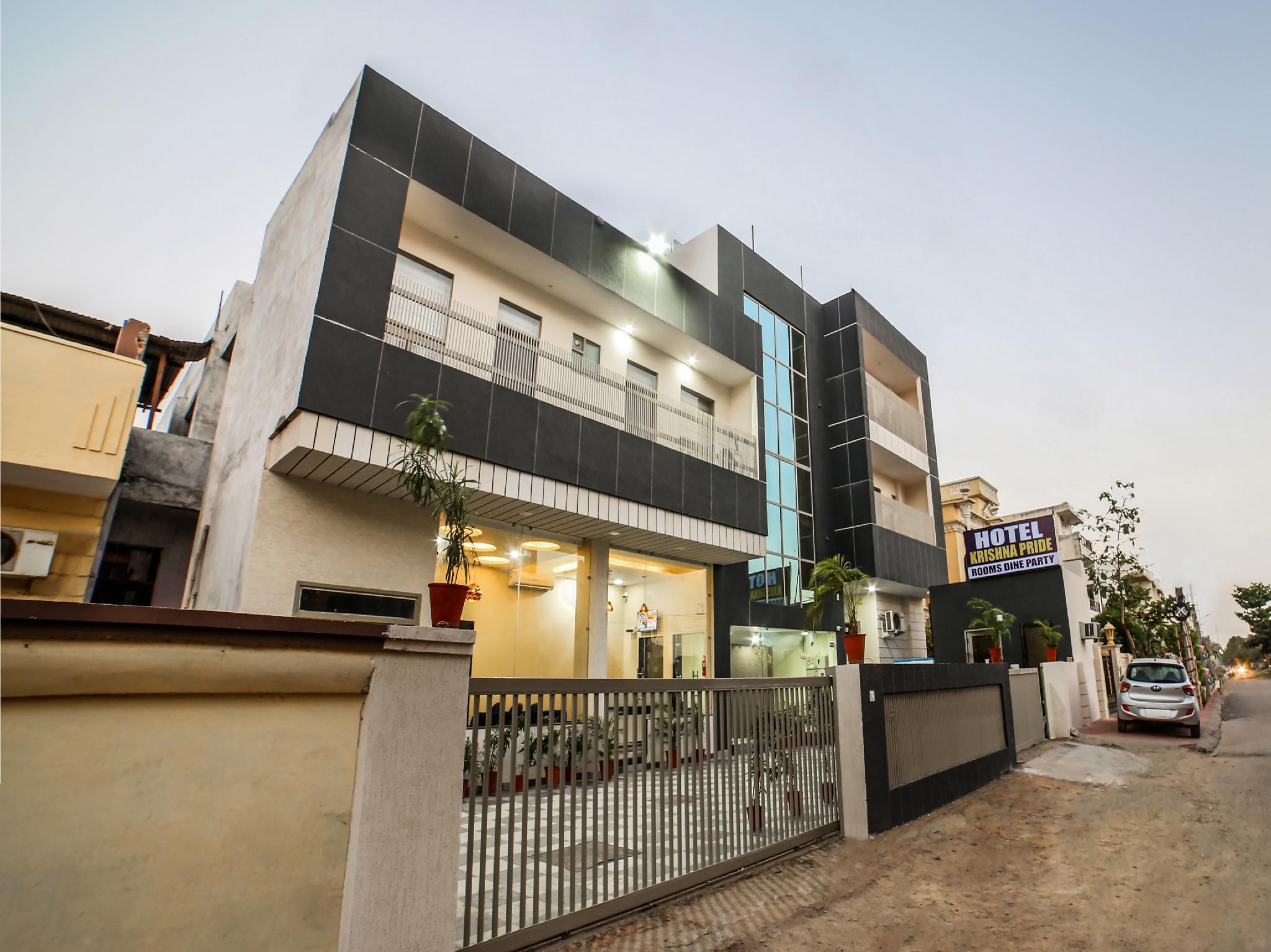 Capital O 38718 Hotel Krishna Pride