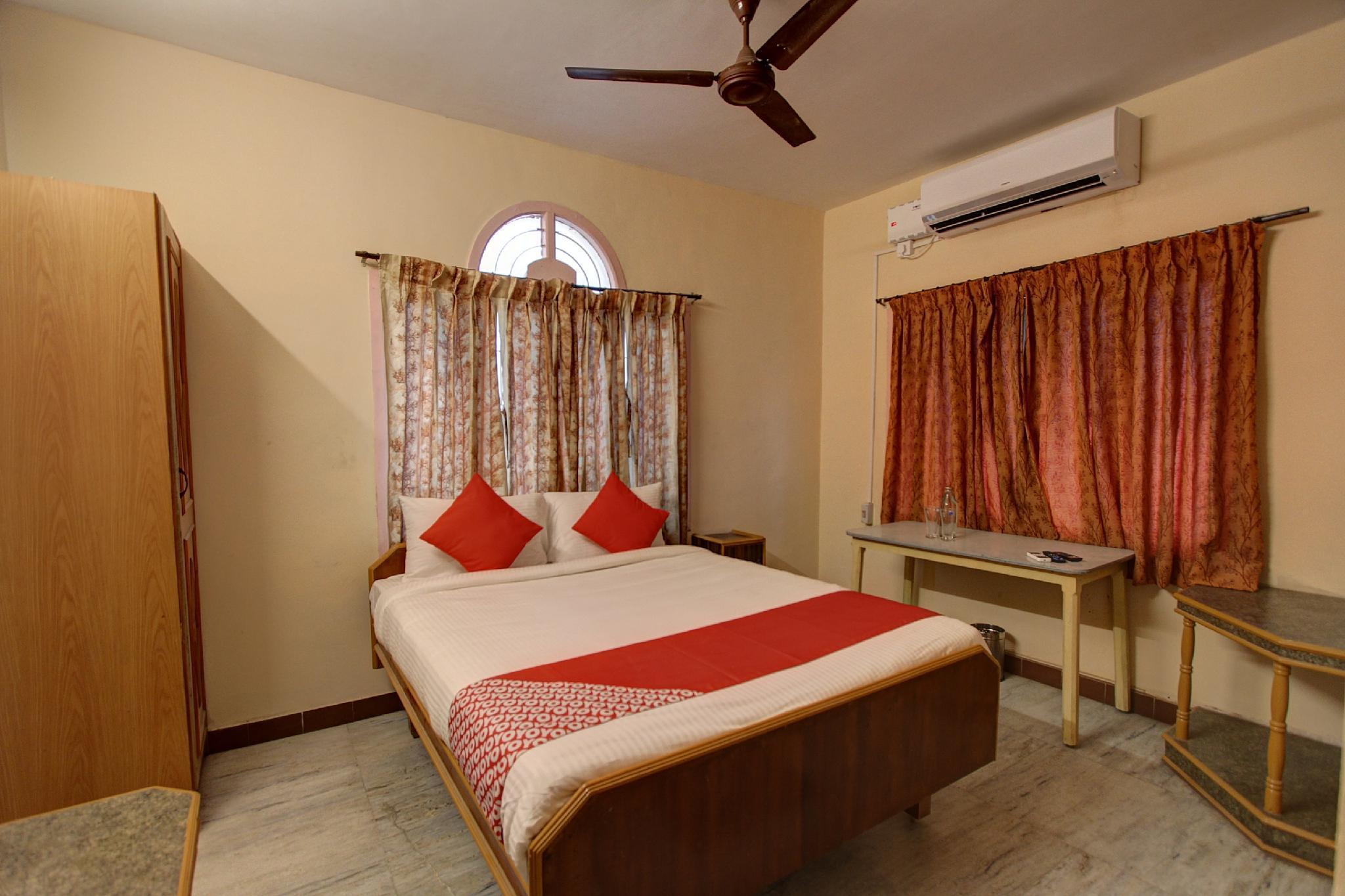 OYO Flagship 31125 Hotel Viknesh Municipal Colony