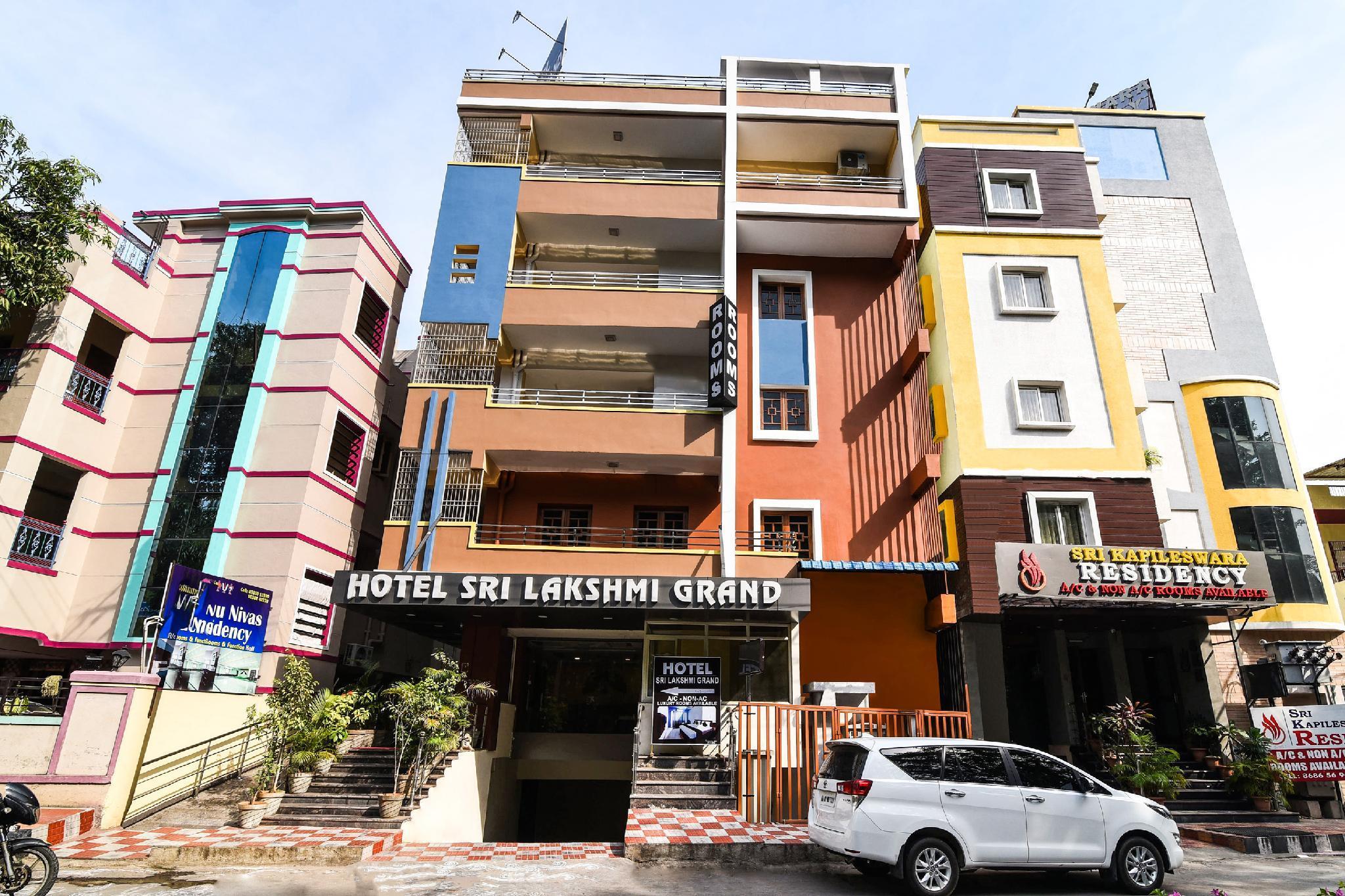 Capital O 37901 Hotel Sri Lakshmi Grand