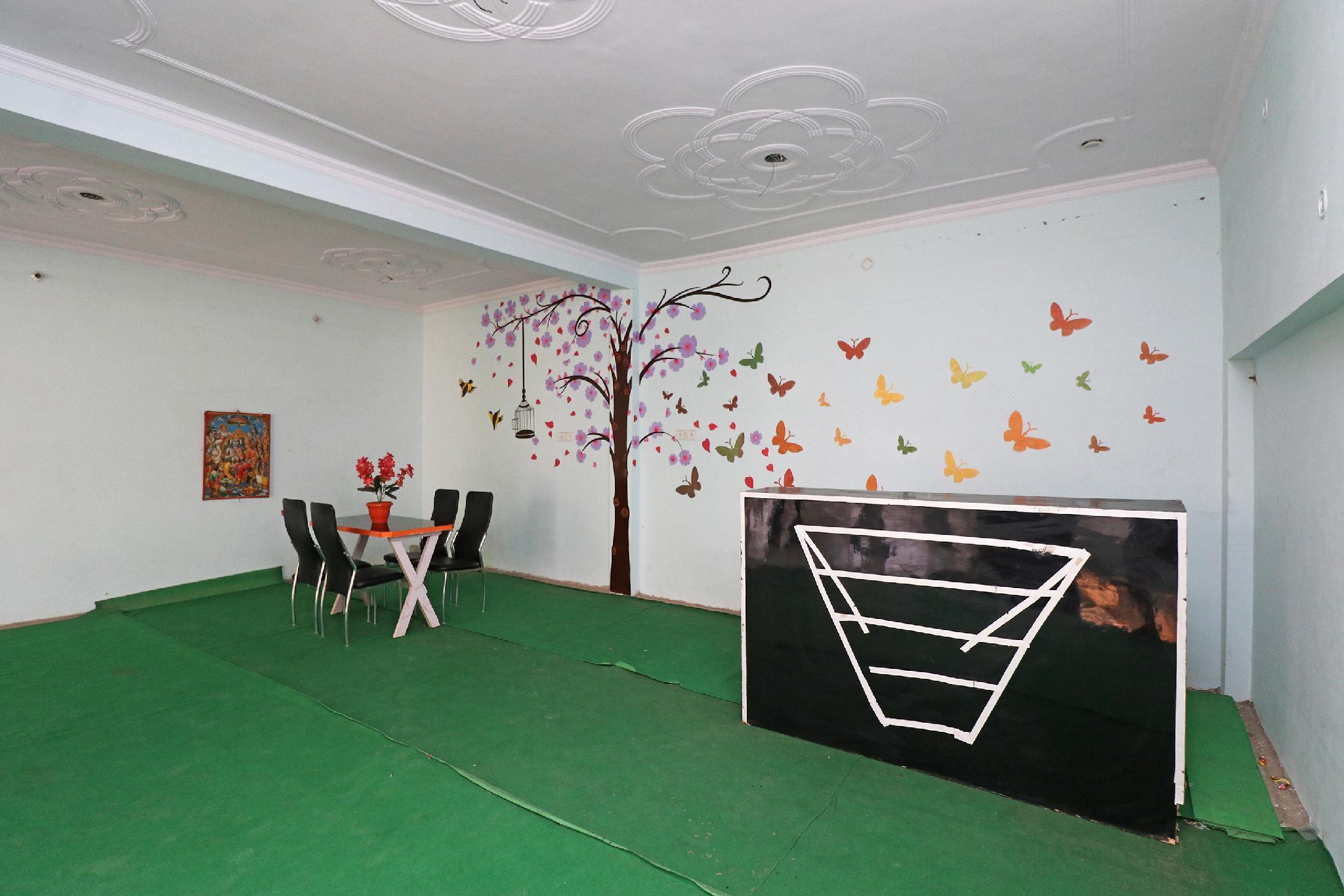SPOT ON 31021 Hotel Prayag Raj
