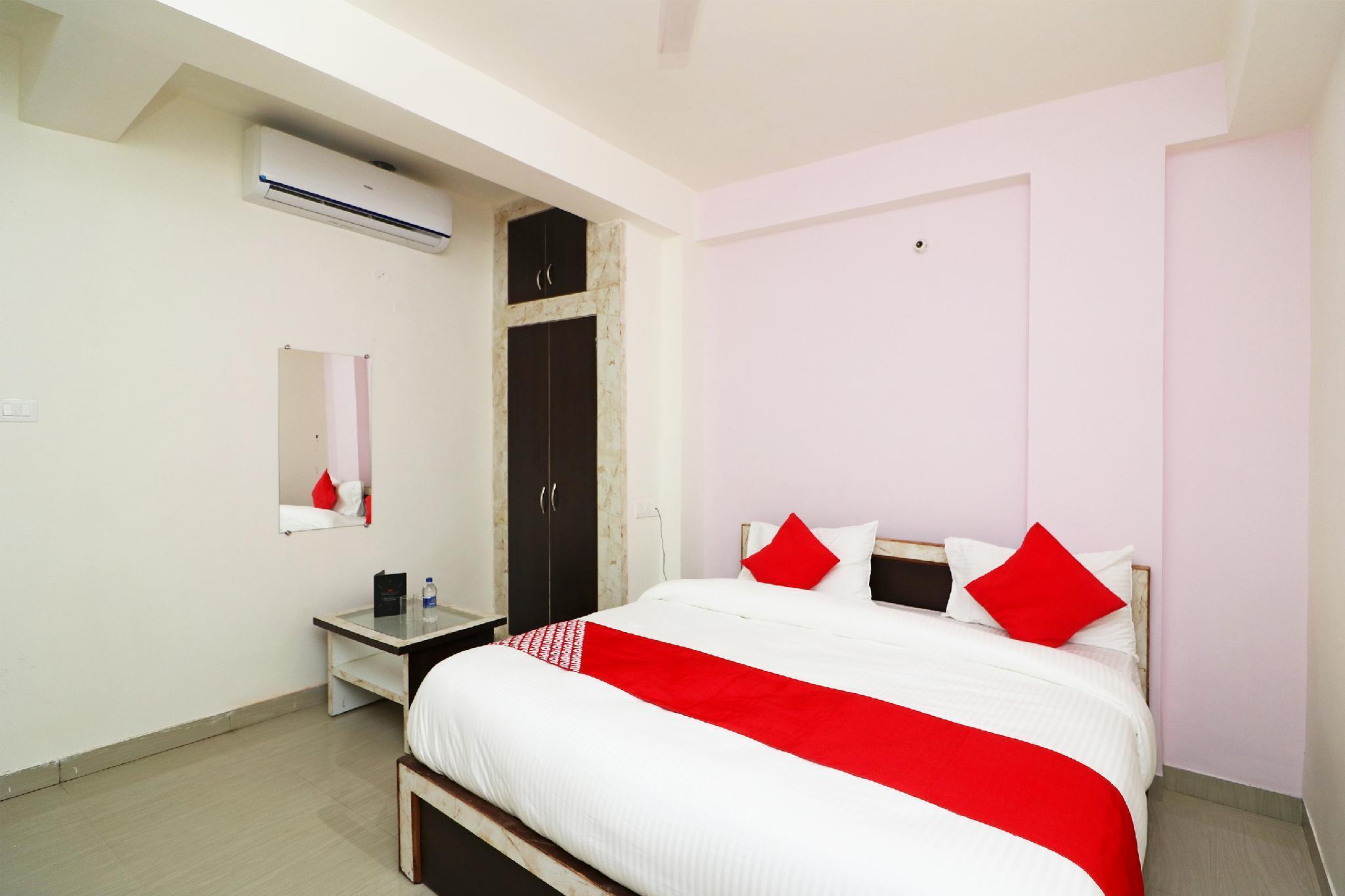 OYO 27037 Hotel Radisson Inn