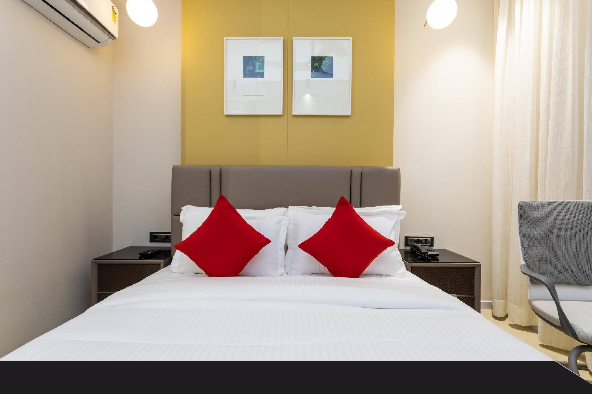 Capital O 29355 Hotel Oasis Blue