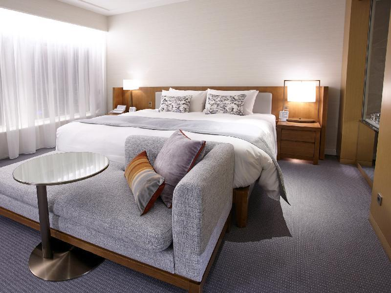 Premier Grand Deluxe New Club Floor Room With King Bed And Free Lounge Access