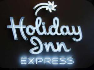Holiday Inn Express and Suites Edwardsville