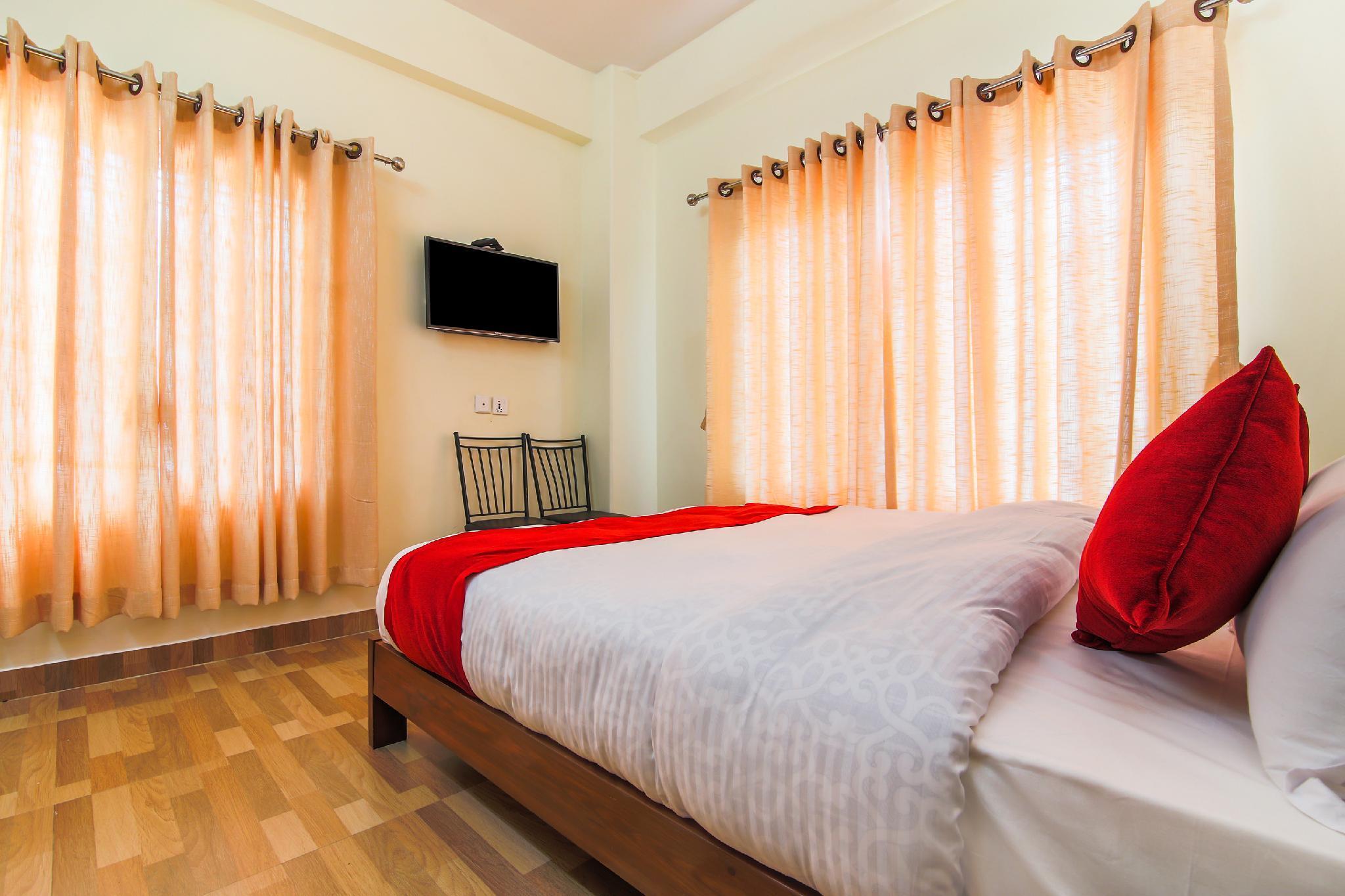 OYO 382 Hotel Dela Mount