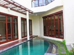 巴厘岛戴纳别墅 (Dana Villa Bali)