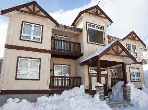 นิเซโก อัลไพน์ อพาร์ตเมนต์ (Niseko Alpine Apartments)