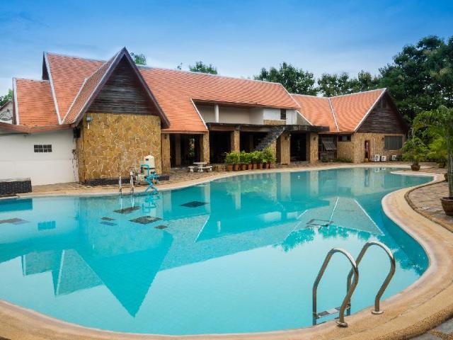 เขาใหญ่ คันทรีฮิล รีสอร์ท – Khao Yai Country Hill Resort