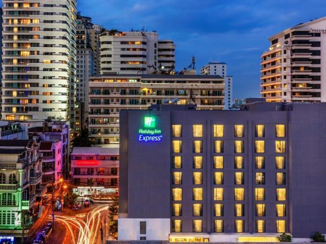 ฮอลิเดย์อินน์ เอ็กซ์เพรส กรุงเทพ สุขุมวิท 11 – Holiday Inn Express Bangkok Sukhumvit 11
