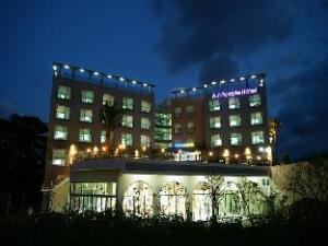 Ainpeople Hotel