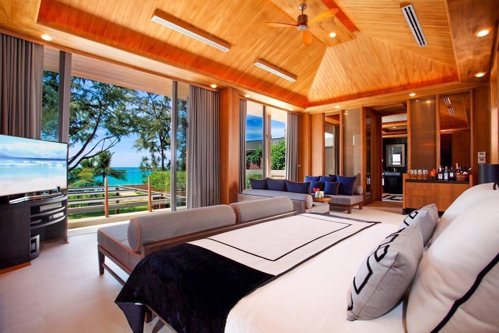 Stunning 5 Bedroom Beachfront Pool Villa
