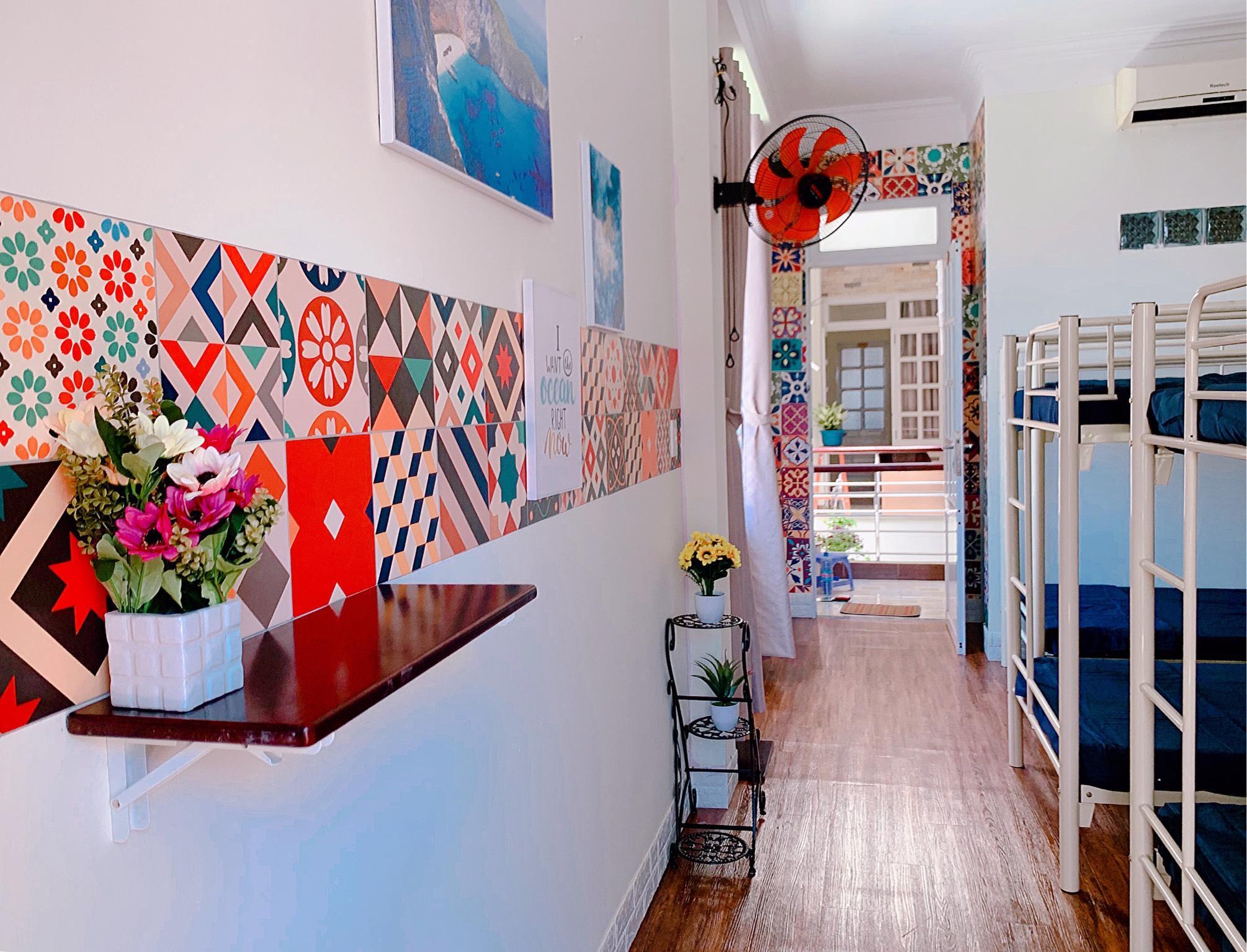 TRIPLEH's Bazaar Style Dorm Room 205