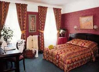 Royal Fromentin Hotel